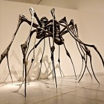 """Maman"", sculpture de la plasticienne Louise Bourgeois. עכביש ואשת העכביש"